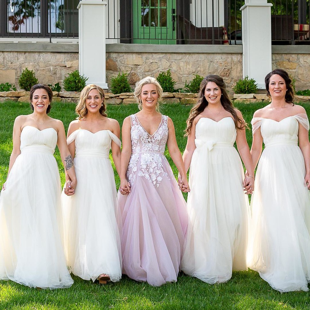 A blushing bride & her beautiful babes.💕 #ShopRevelry