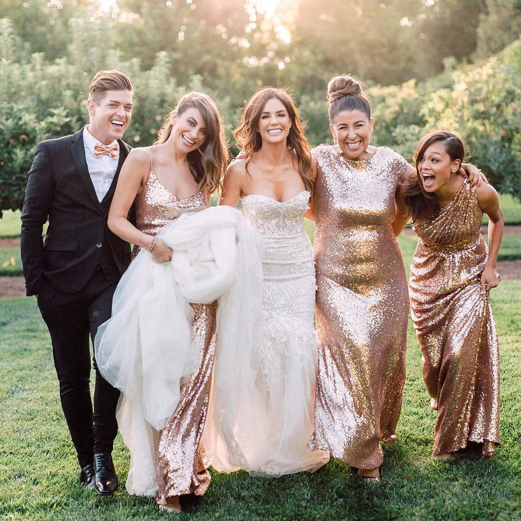 """There's nothing quite like those """"my bestie just got married"""" faces!😍"""