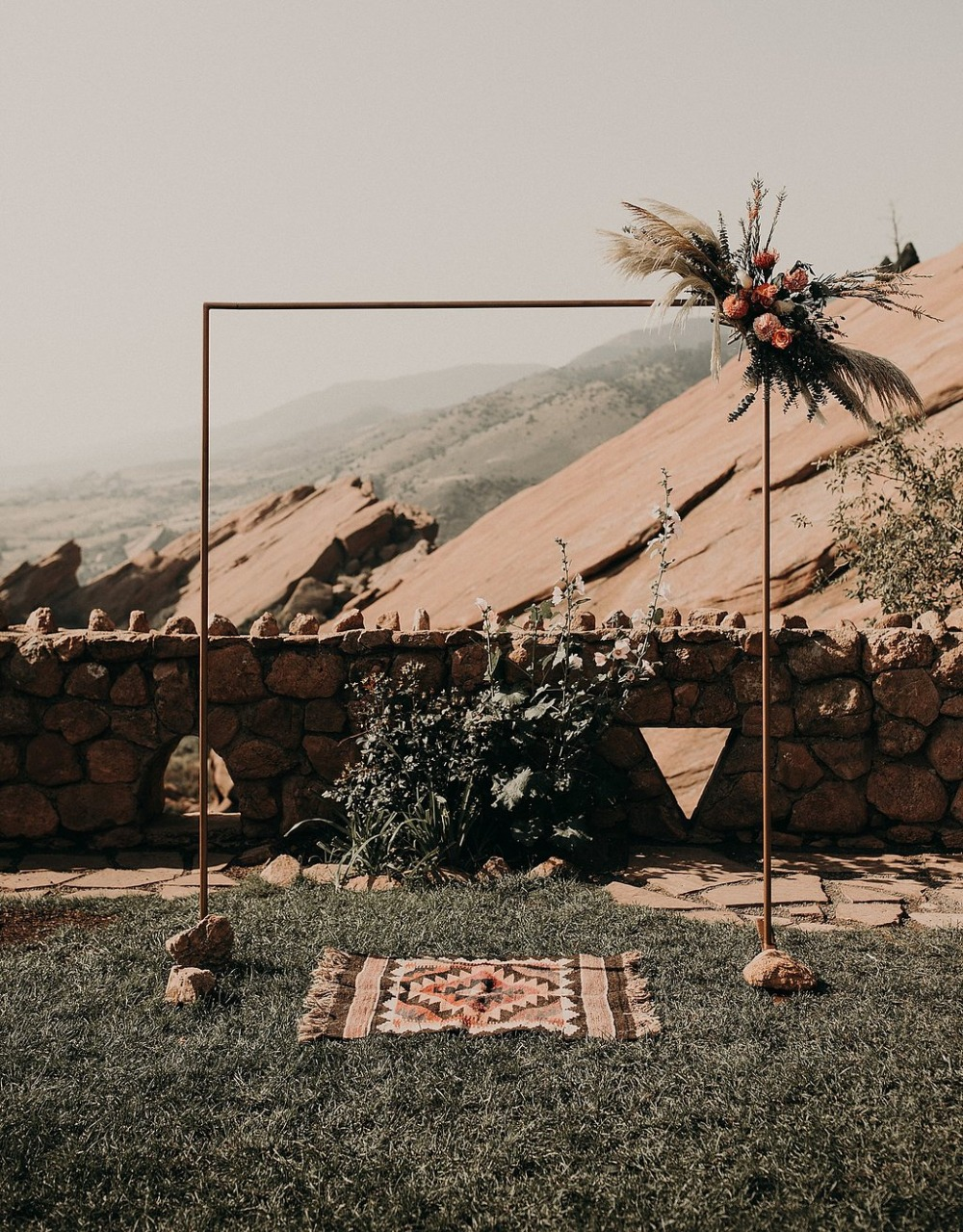 minimalist copper wedding arch for your boho desert wedding