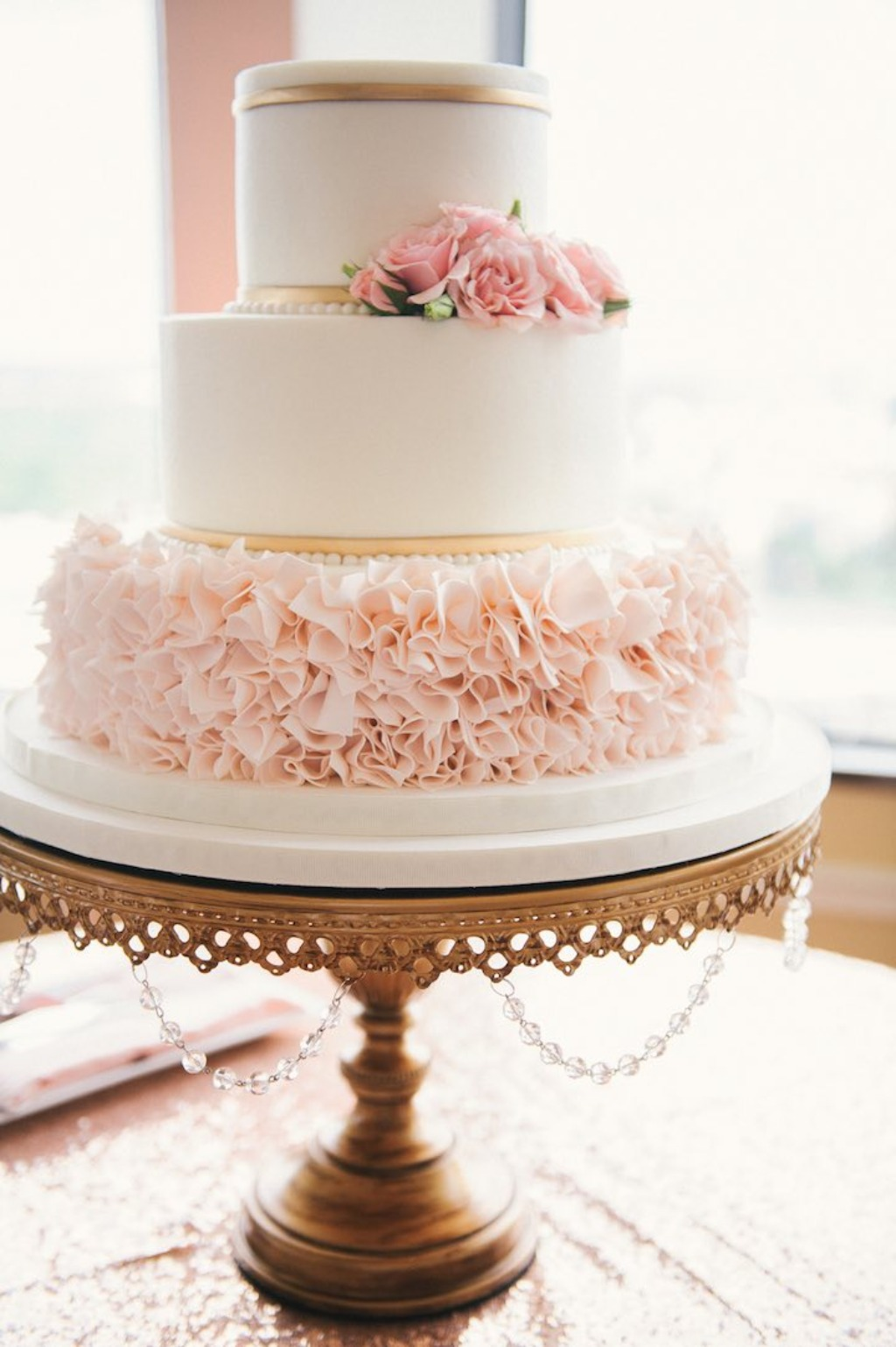 Wedding Cakes & Wedding Cake Stands ...finding the prefect match! {photo:@still55}