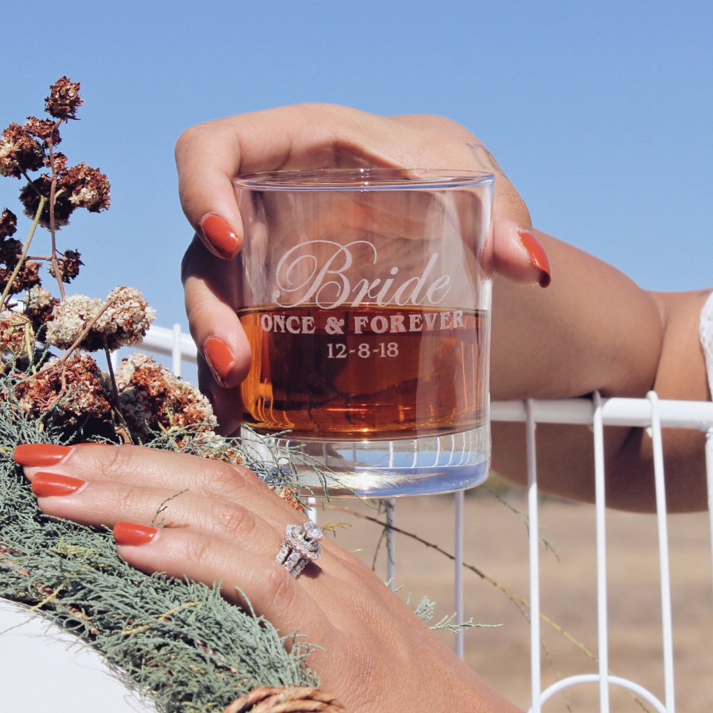 If you're a whiskey girl 🥃 ScissorMill has 10 ounce rocks glasses for just $10… and that includes free personalization. You