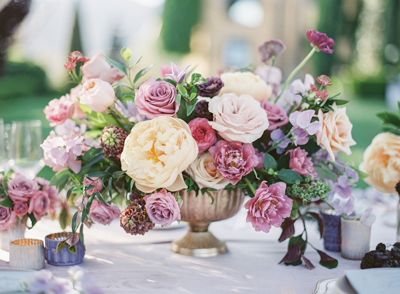 blush and pink floral centerpiece