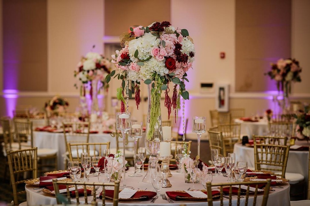 Just BLUSHING over this wedding !