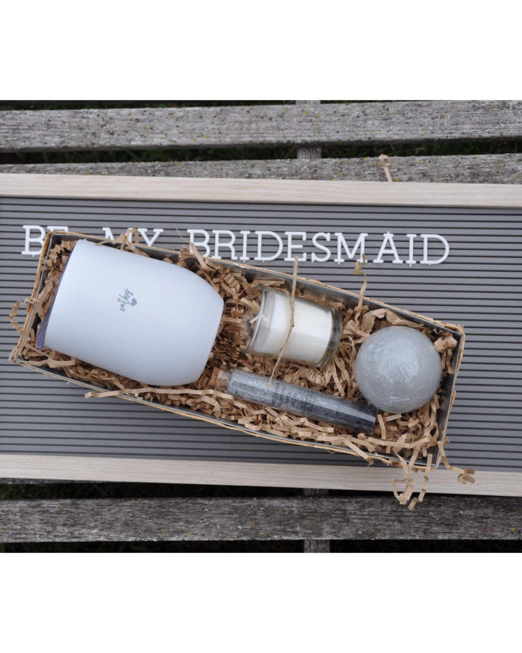 Planning your winery wedding? Create your bridesmaid gifts to match your theme! These personalized wine tumblers (and spa goodies
