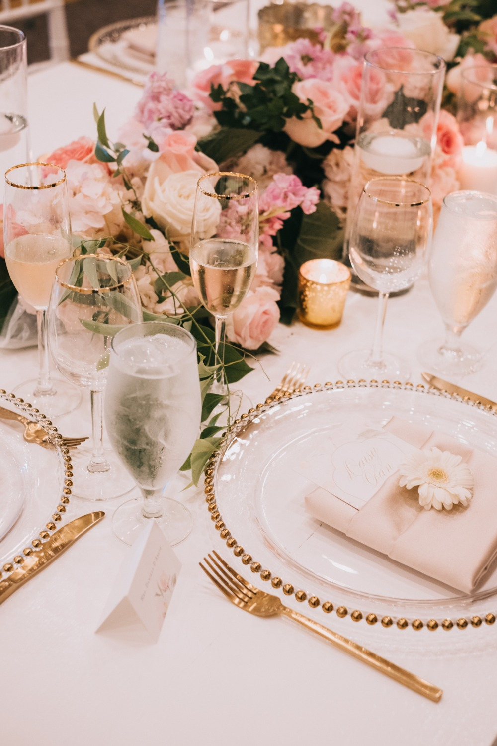 soft pink and gold wedding table