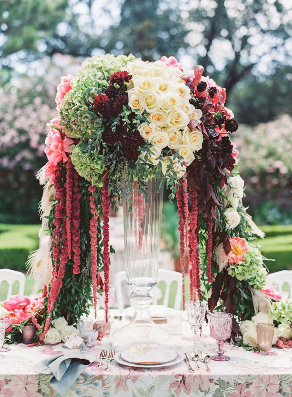 Color-blocked wedding centerpiece
