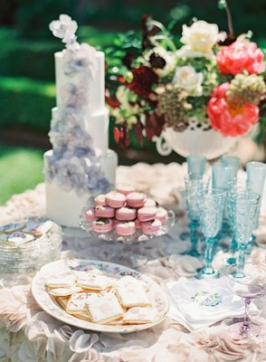 Art Nouveau Inspired Vintage Glam Bridal Luncheon