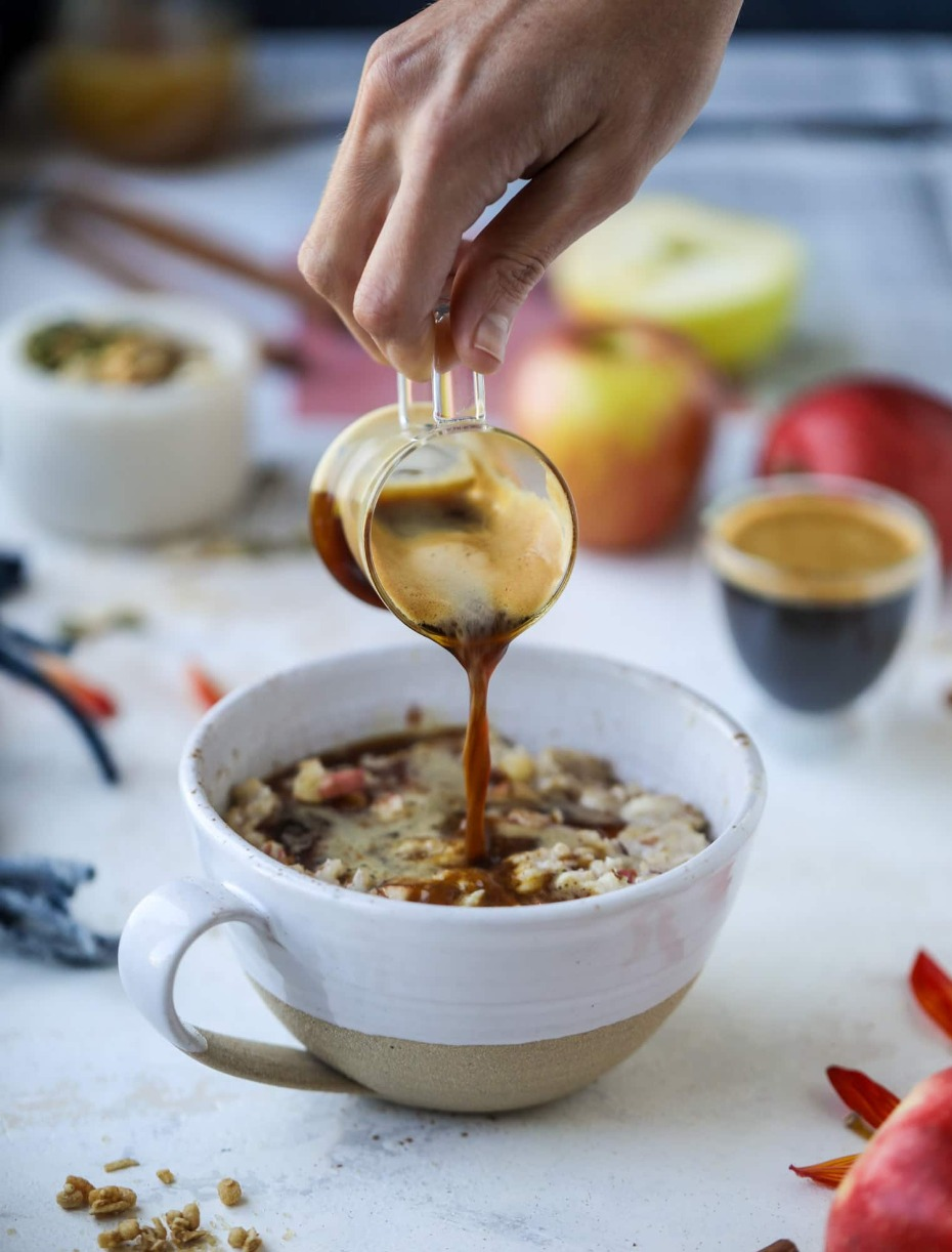 Apple Cinnamon Oatmeal Latte