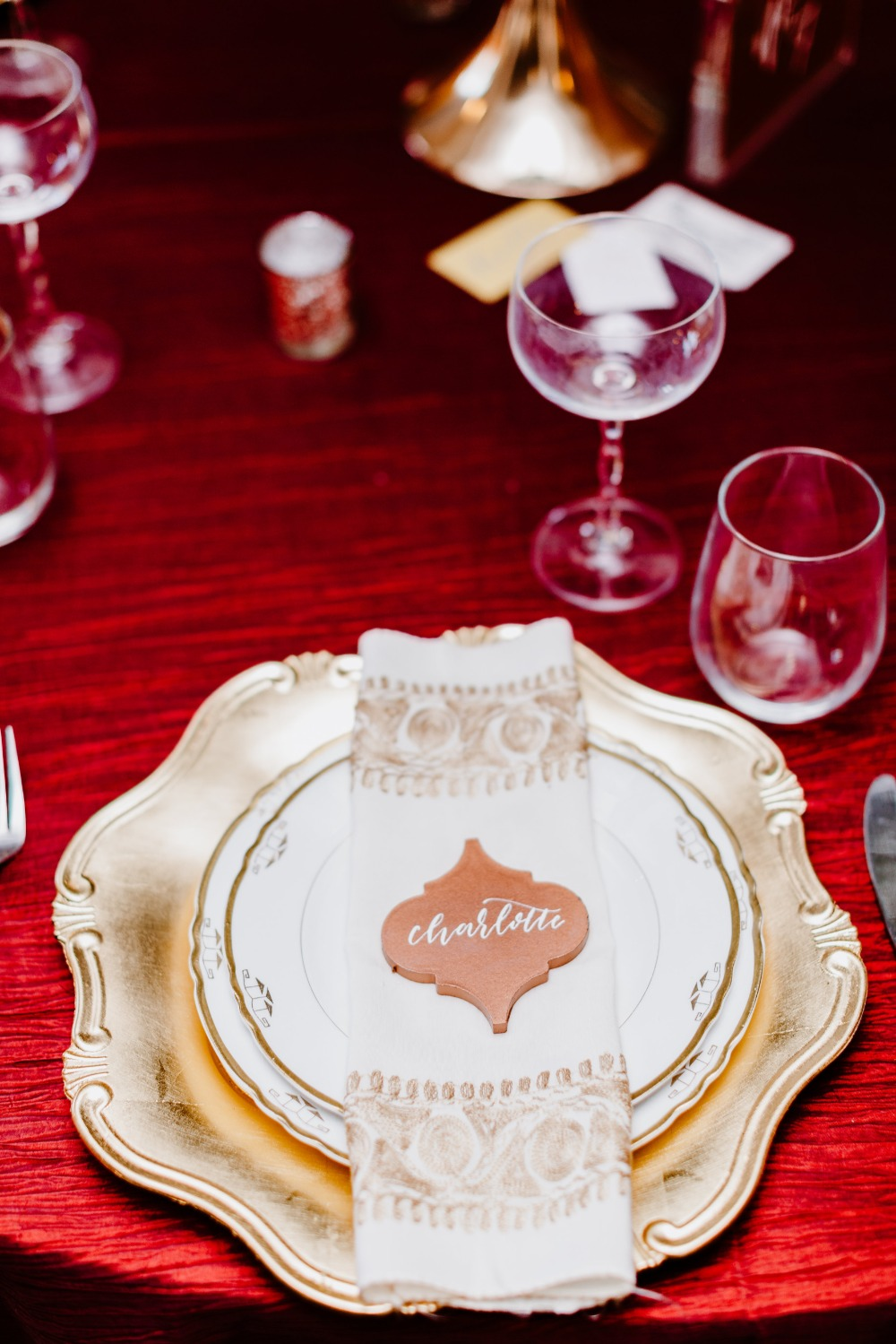 gold wedding place setting
