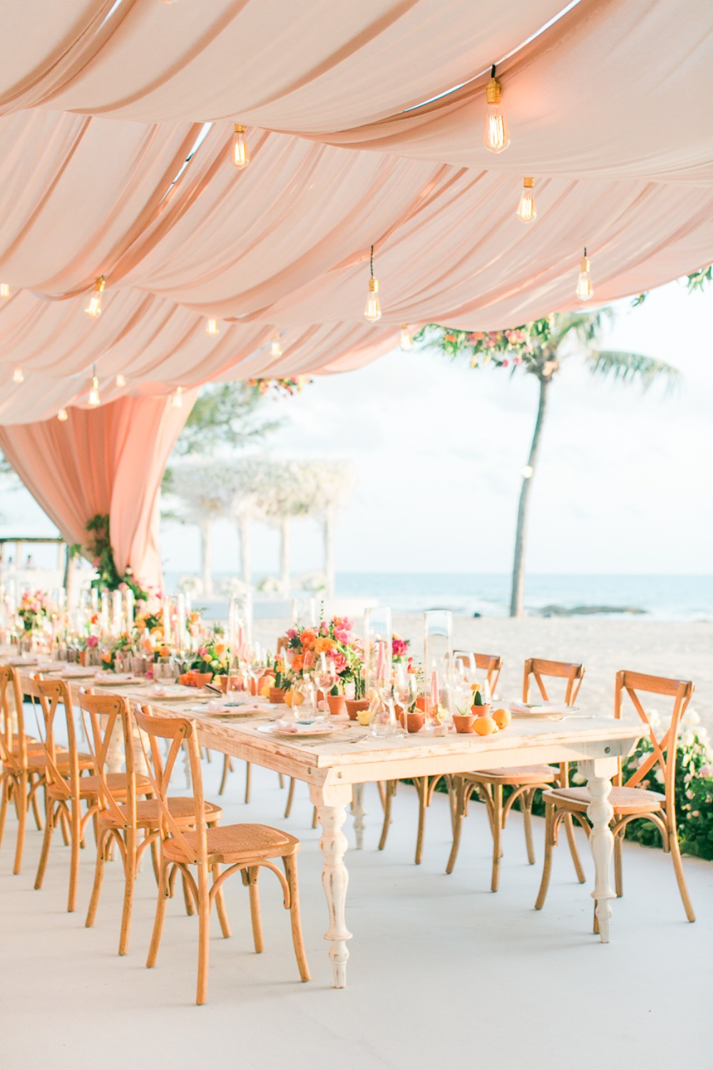 Dreamy tent reception in Thailand