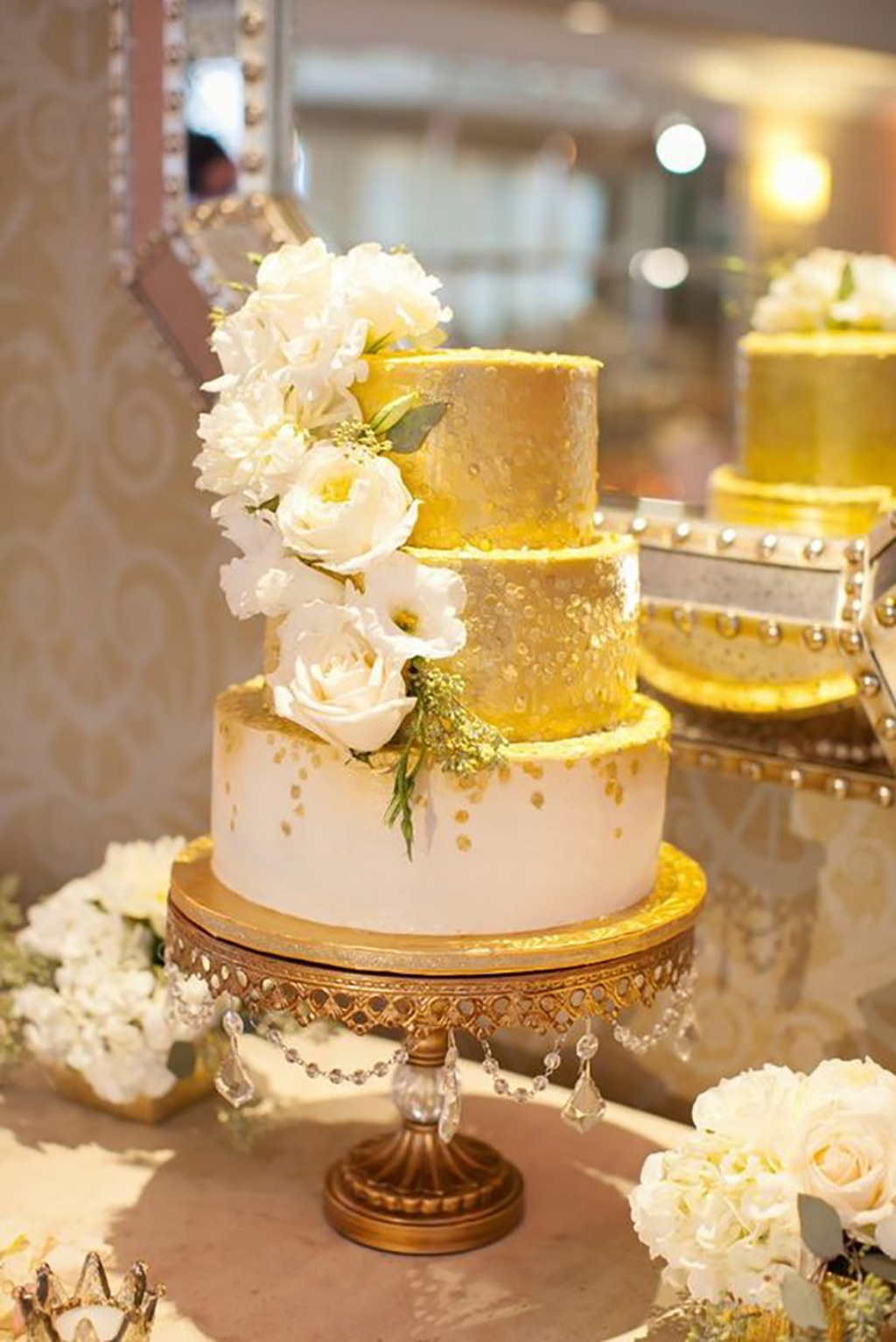 Leave a little sparkle... Gold Sparkle Wedding Cake!