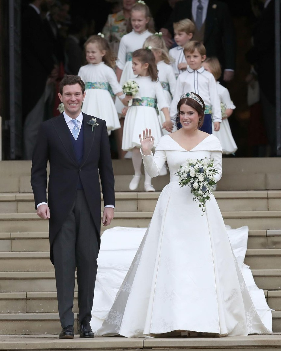 Princess Eugenie Just Married Outside of Windsor Castle