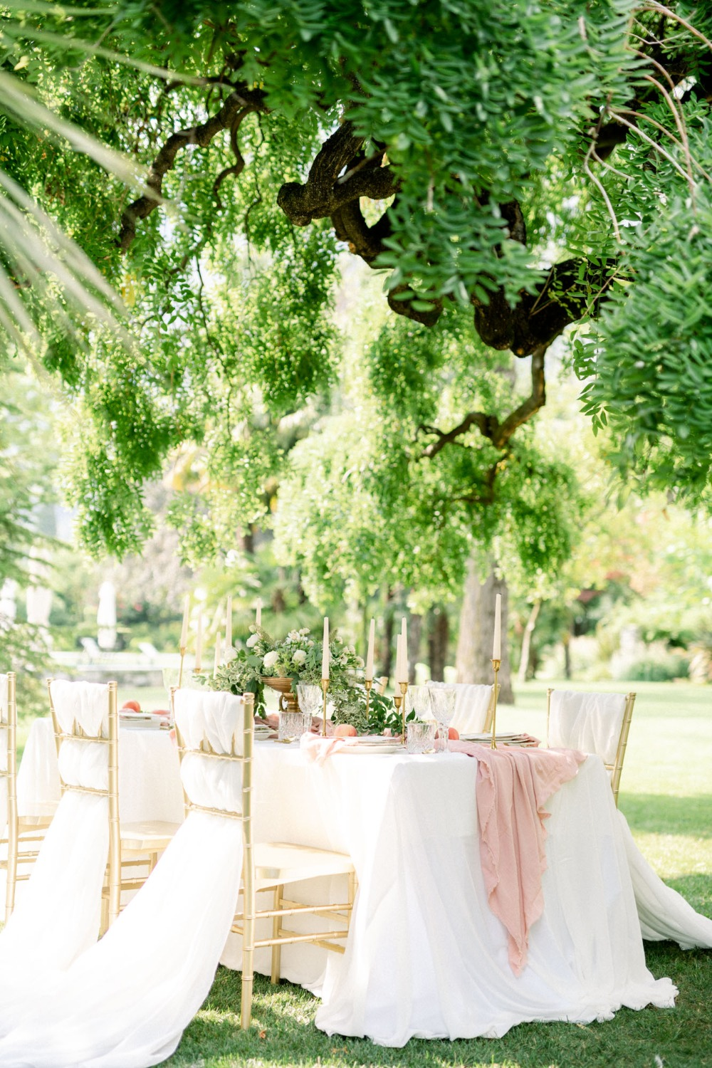 outdoor intimate wedding reception