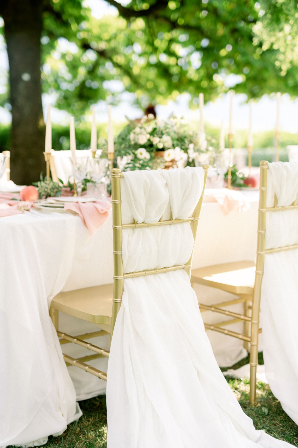gold and white wedding seating