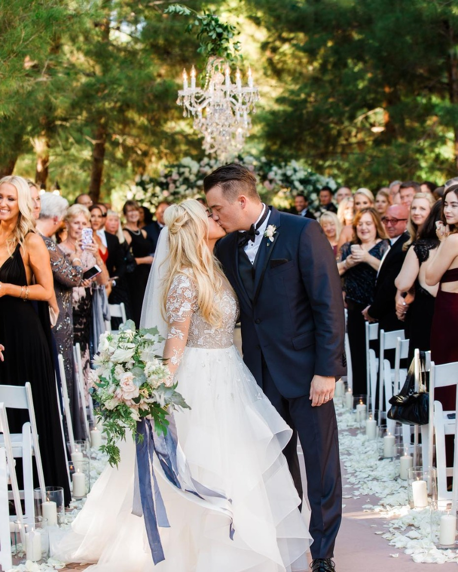 sabrina-bryan-and-jordan-lundberg-just-married