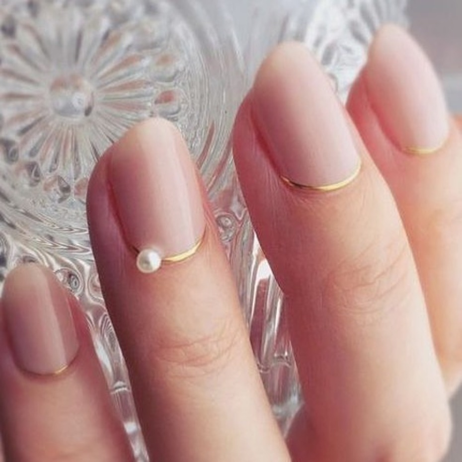 modern-french-mani_mini-pearl-with-gold-cuticle
