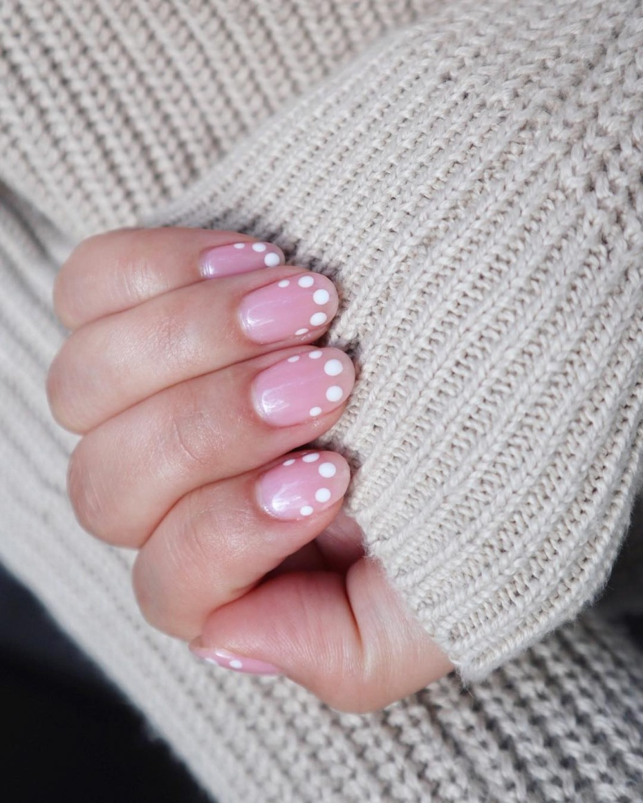 modern-french-mani_pink-with-white-dots