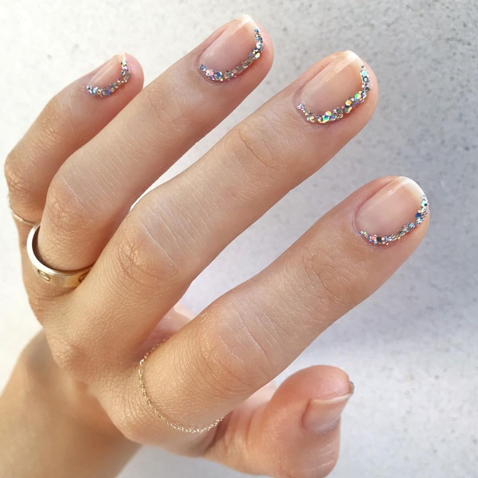 modern-french-mani_side-glitter
