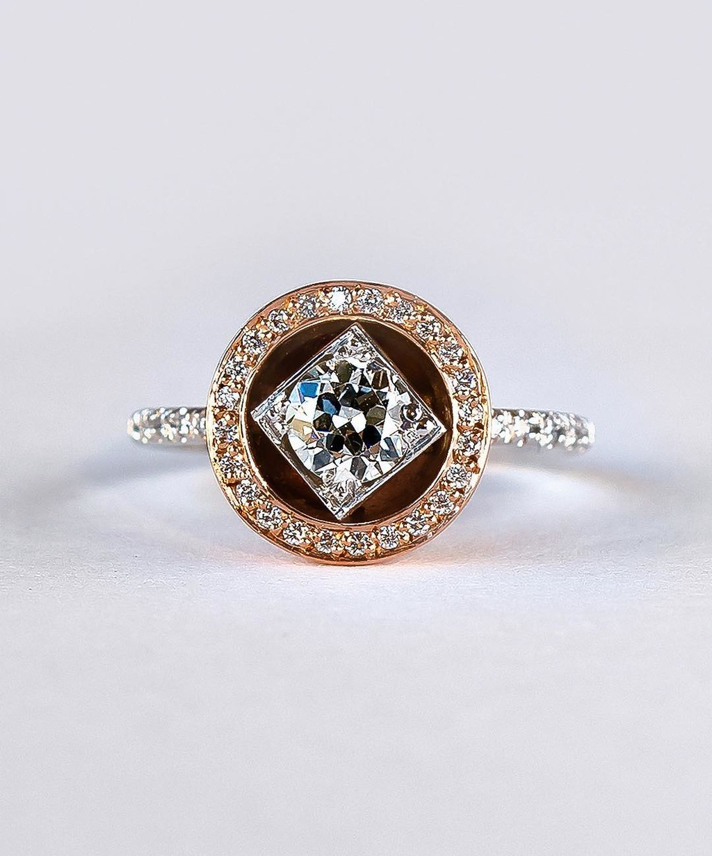 ✨💫 Nothing like a little transfiguration to breath new life into this stunning antique post-consumer diamond! This low profile
