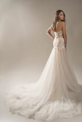 Arava Polak Bridal Winds Of Blossom Collection