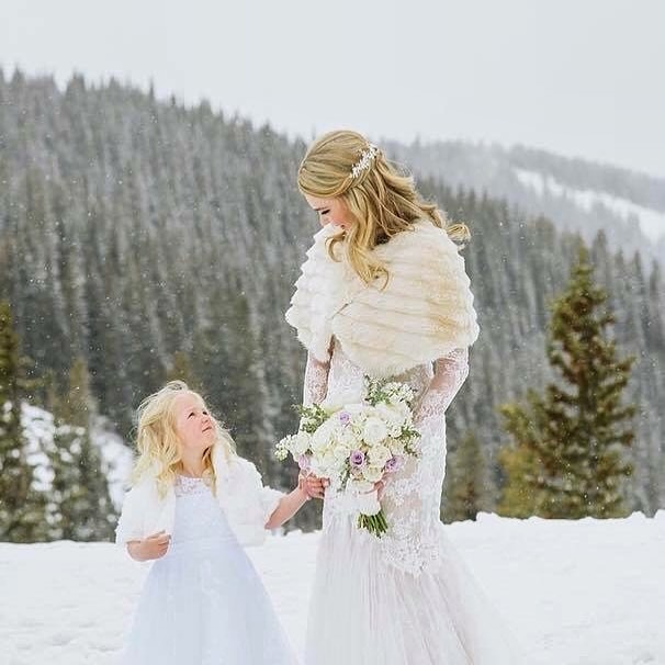 Colorado bride Hailee wearing my Lyra hair vine.
