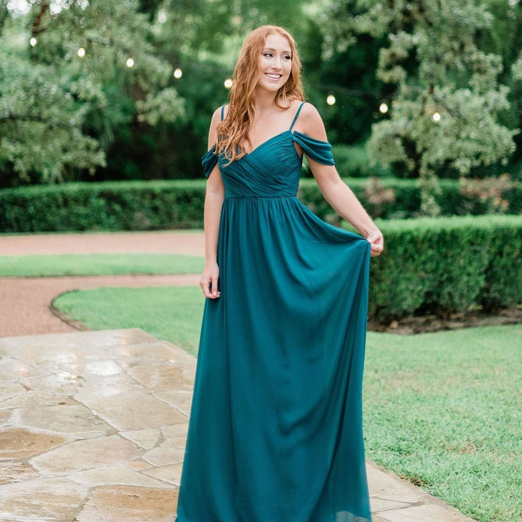 Emerald hues for the most enchanting events.💚 #ShopRevelry