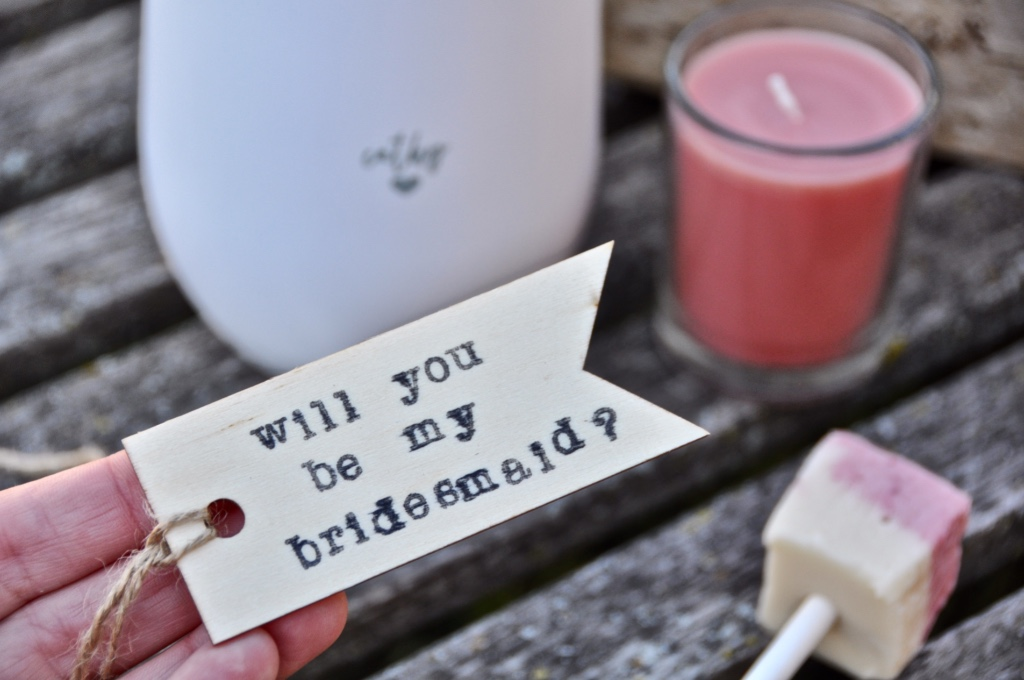 Make your bridesmaid proposal beautiful and personalized! Visit us to find out how we have helped hundreds of brides create the perfect