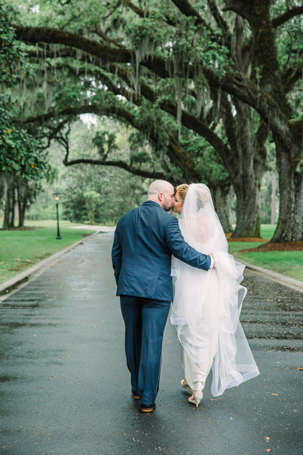 Winter wedding in the rain at Ford Plantation