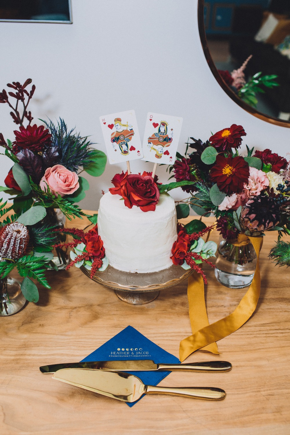 king and queen wedding cake