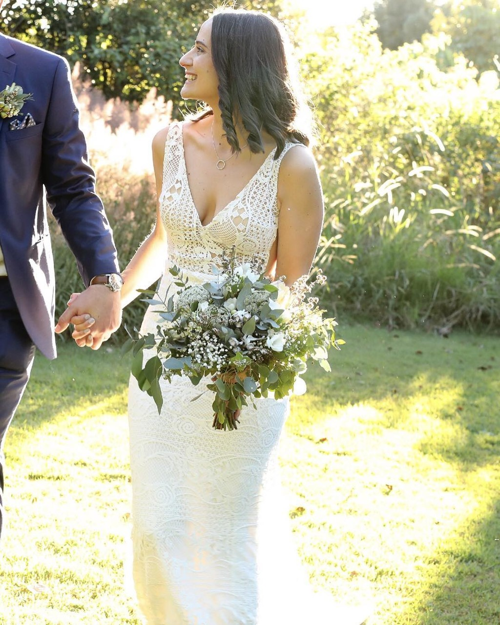 This glowing Goddess bride in the golden light @lovelyrachlove