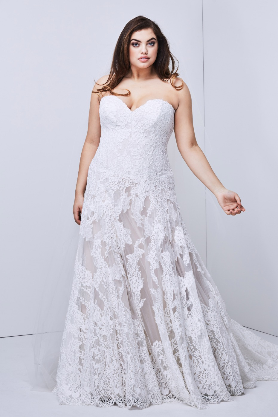 b213b9d10e 20 of Our Favorite Gowns for Girls With Curves