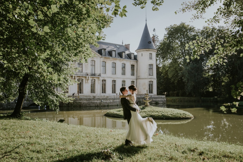Elopement in a french castle.