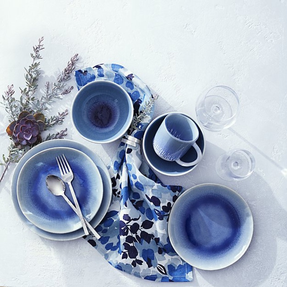 Crate and Barrel Caspian 4-Piece Blue Reactive Glaze Dinnerware Set