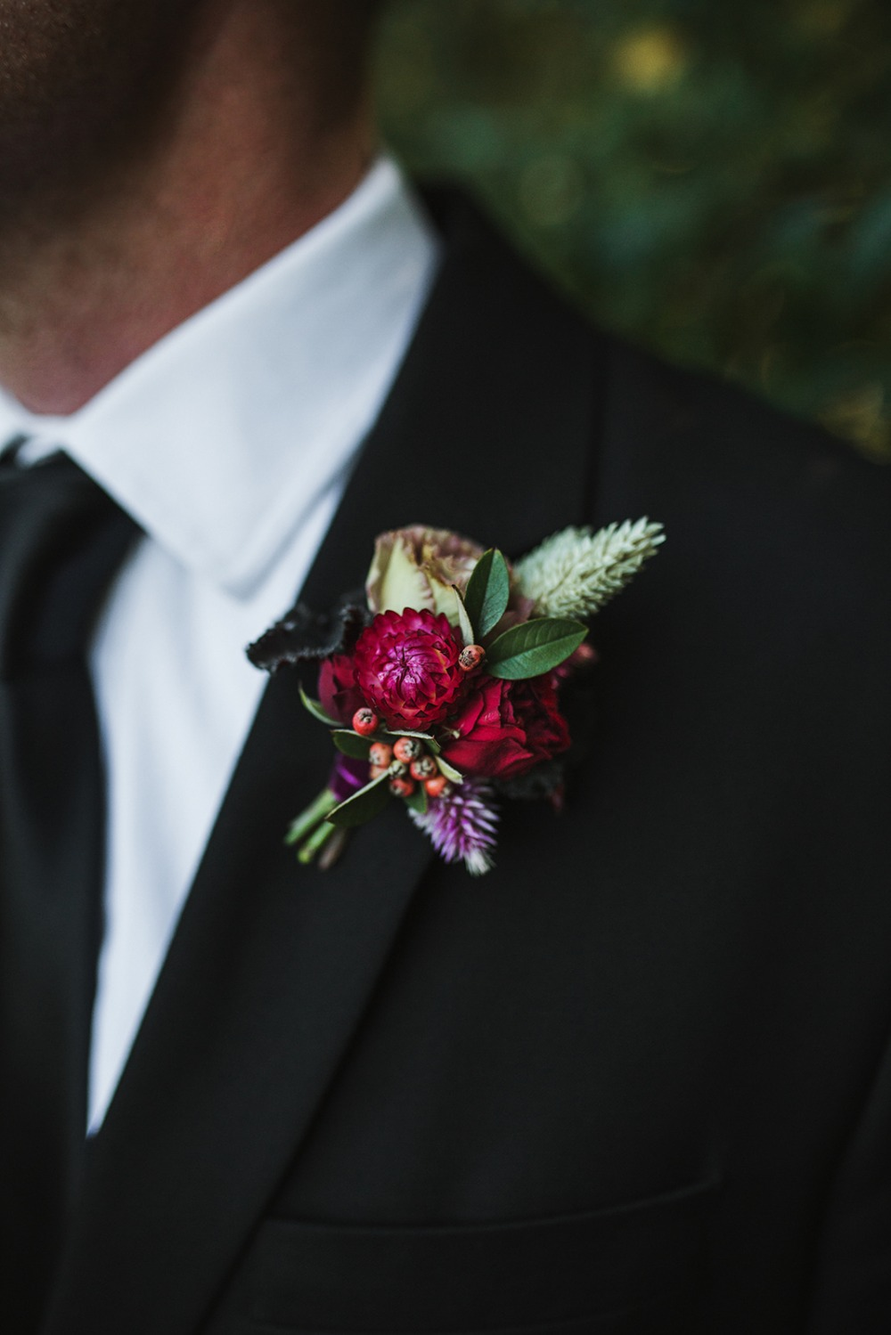 grooms boutonniere for fall wedding