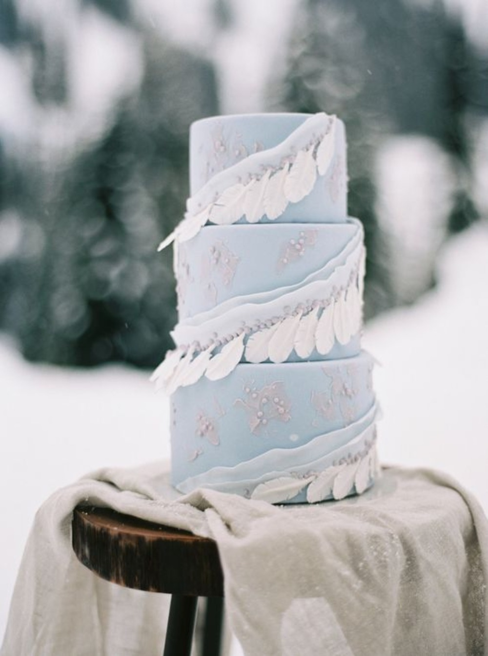 blue winter themed cake by Honey Crumb