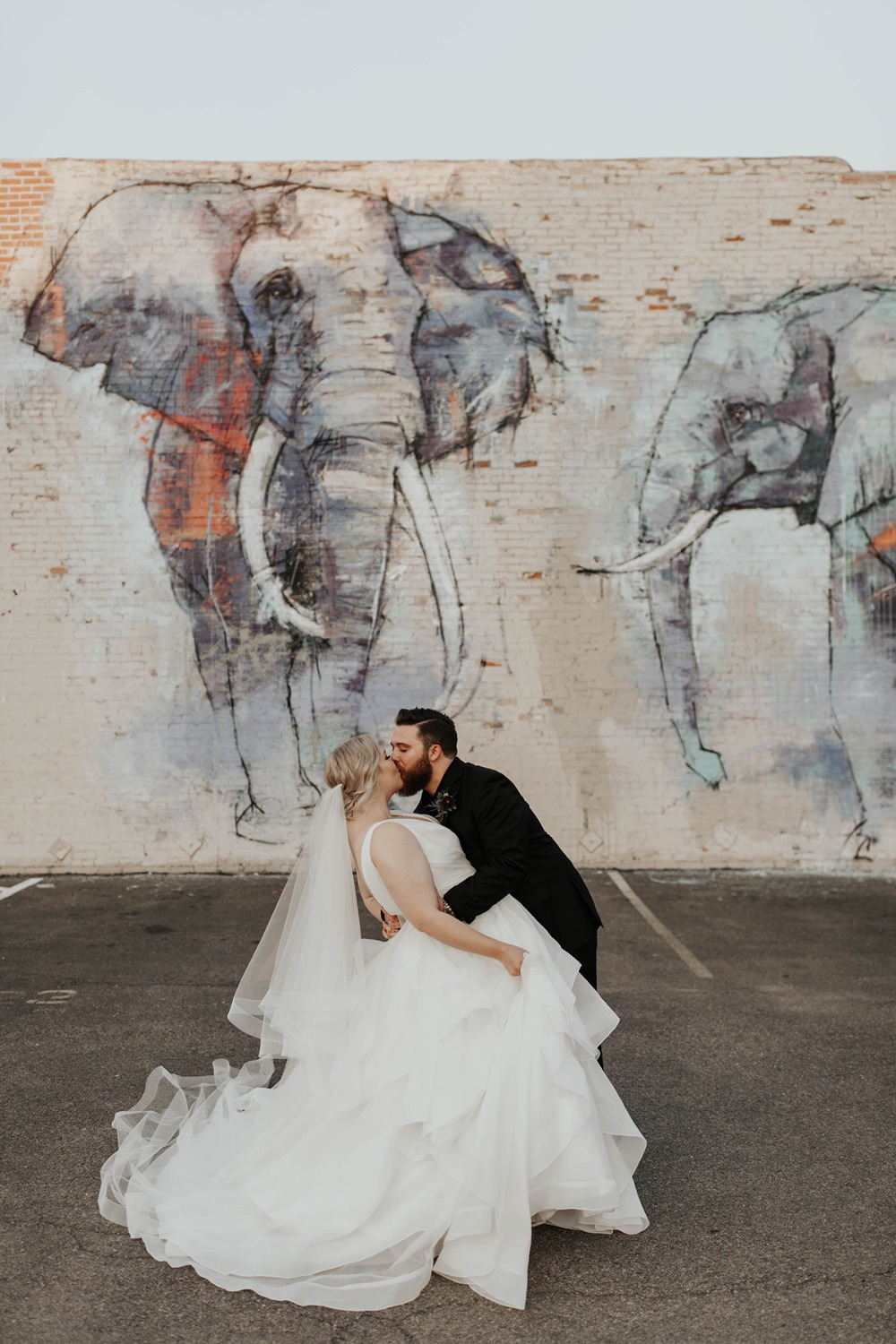 modern wedding graffiti