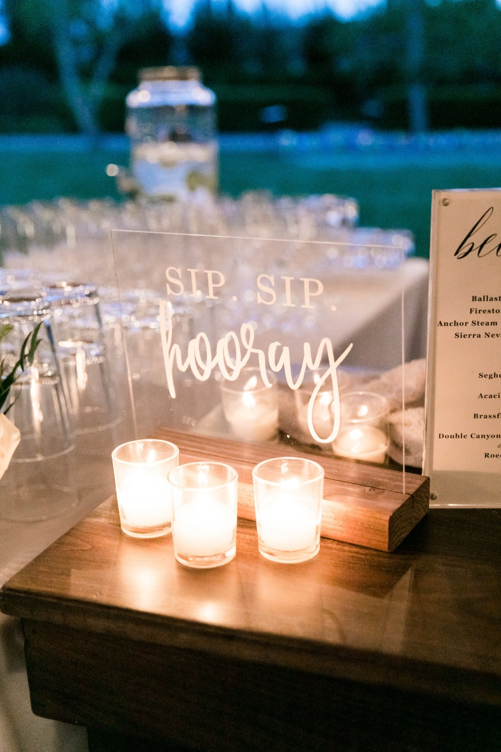 Encourage cheers of celebration from all your guests with our Sip, Sip, Hooray clear acrylic sign. This sign adds the perfect little