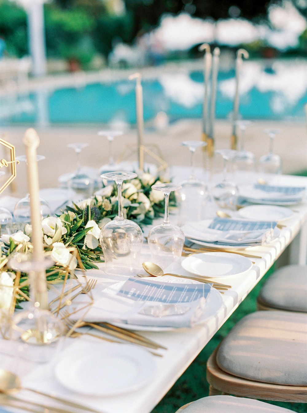 gold and white wedding table