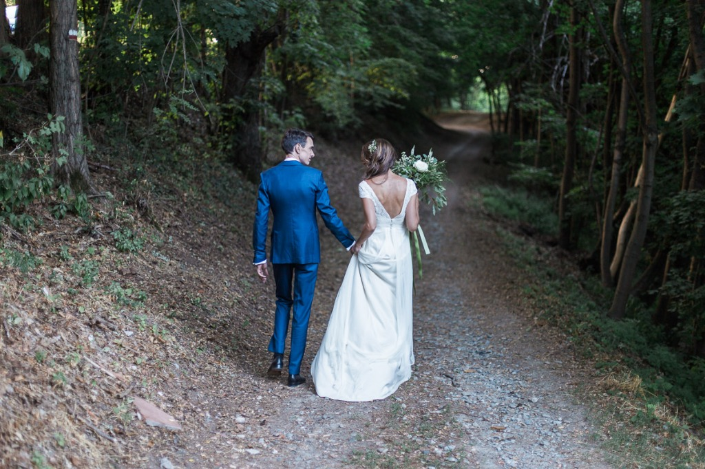 Valeria and Guillaume celebrated in the bride's family home: the garden of memories of a life welcomed their loved ones just as they