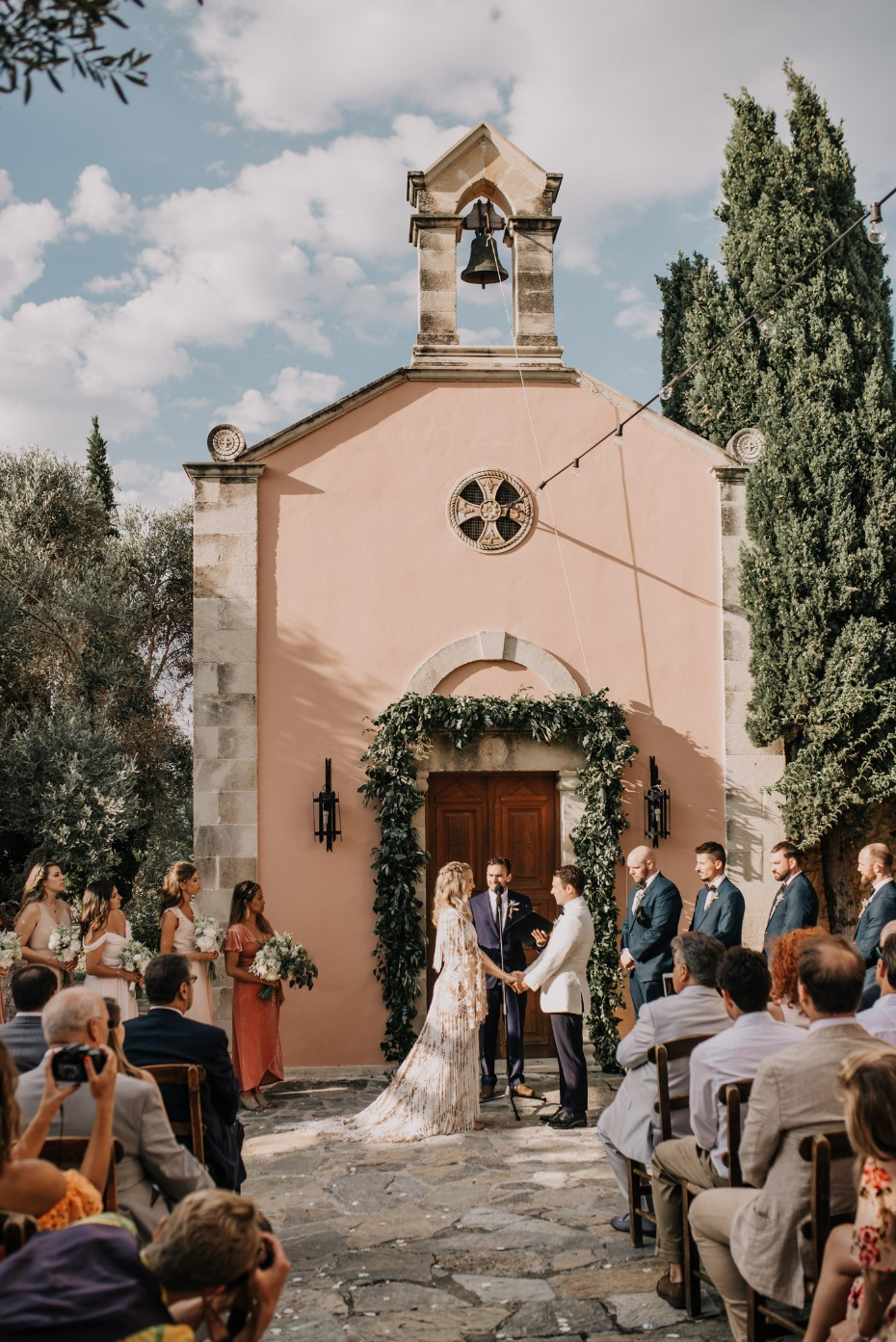 Chapel wedding in Crete