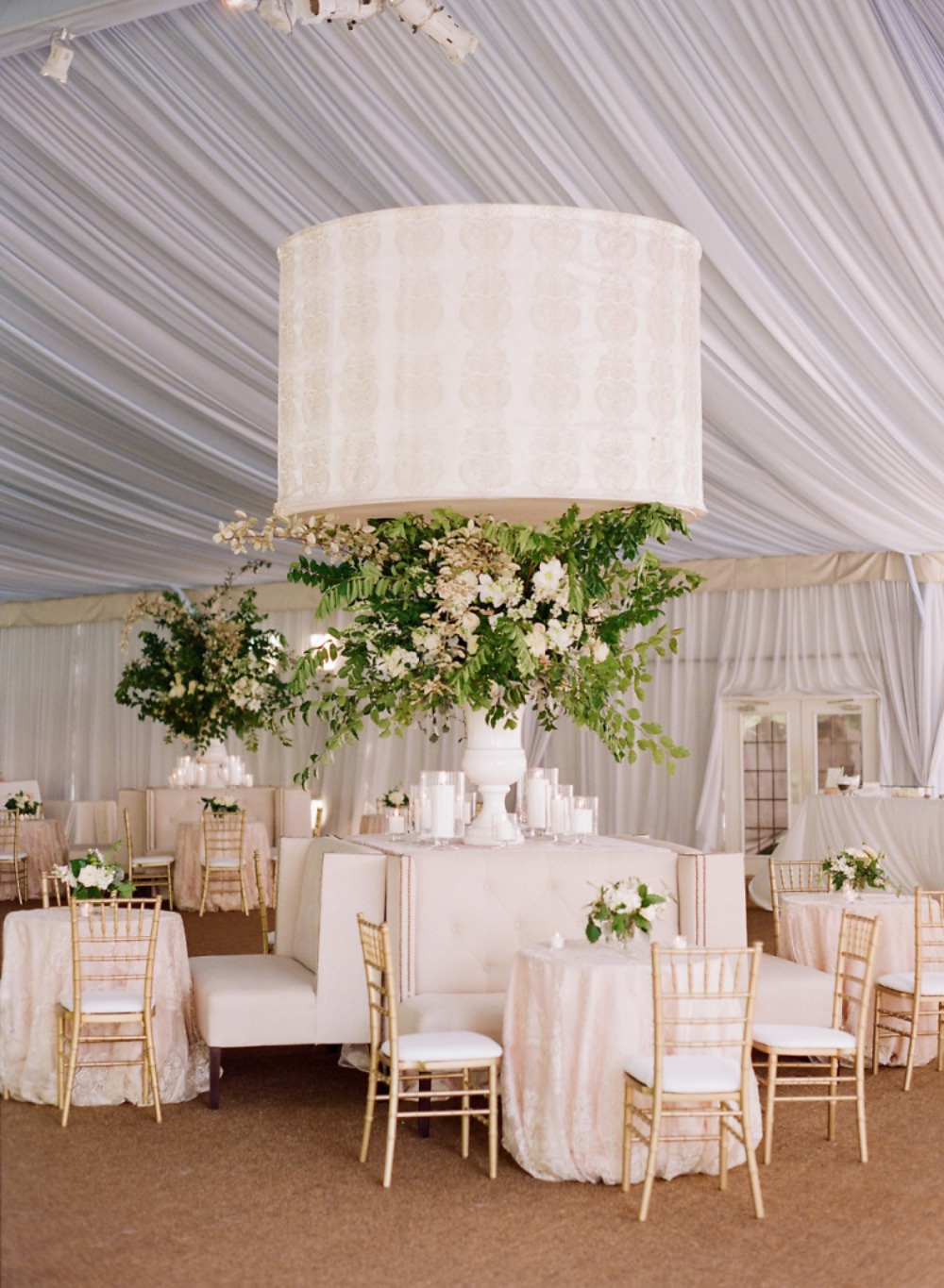 impressive southern style wedding seating and floral decor