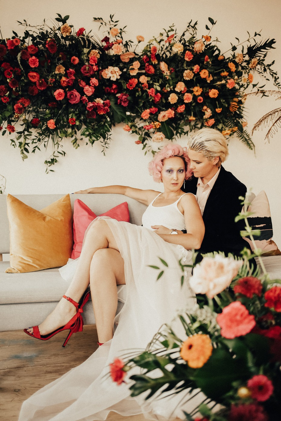 Bright red heels for the bride