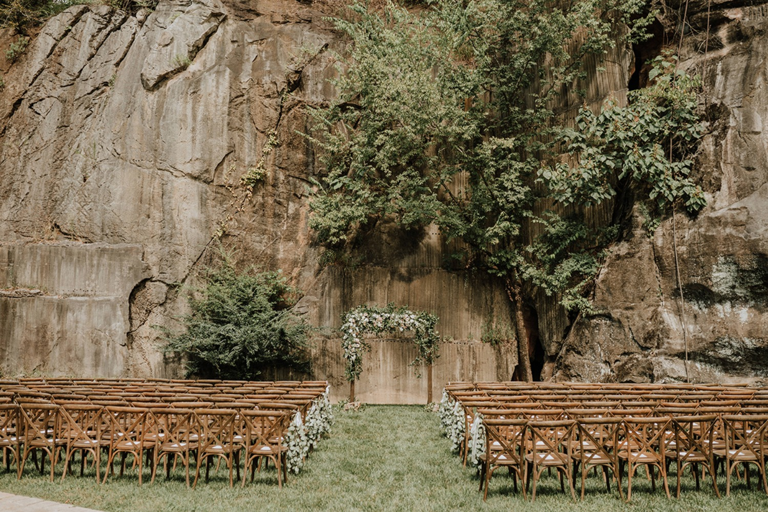 outdoor wedding ceremony at The Quarry