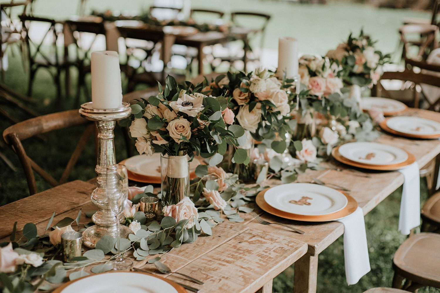 rustic chic gold blush and white wedding tables