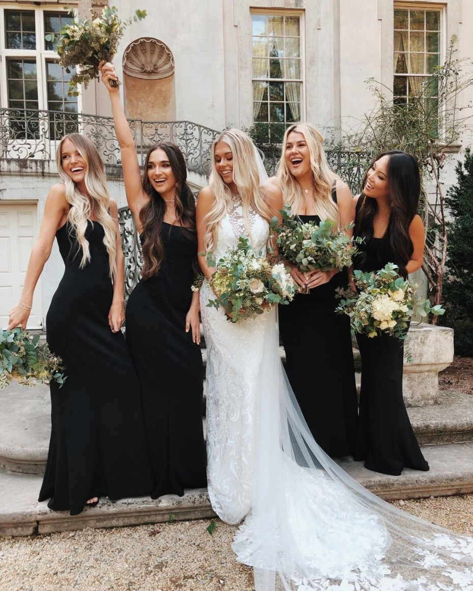 bridesmaids-in-black-gowns-from-showmeyourmumu