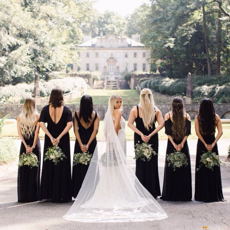 bridesmaids-backs-in-black-dresss-from-showmeyourmumu