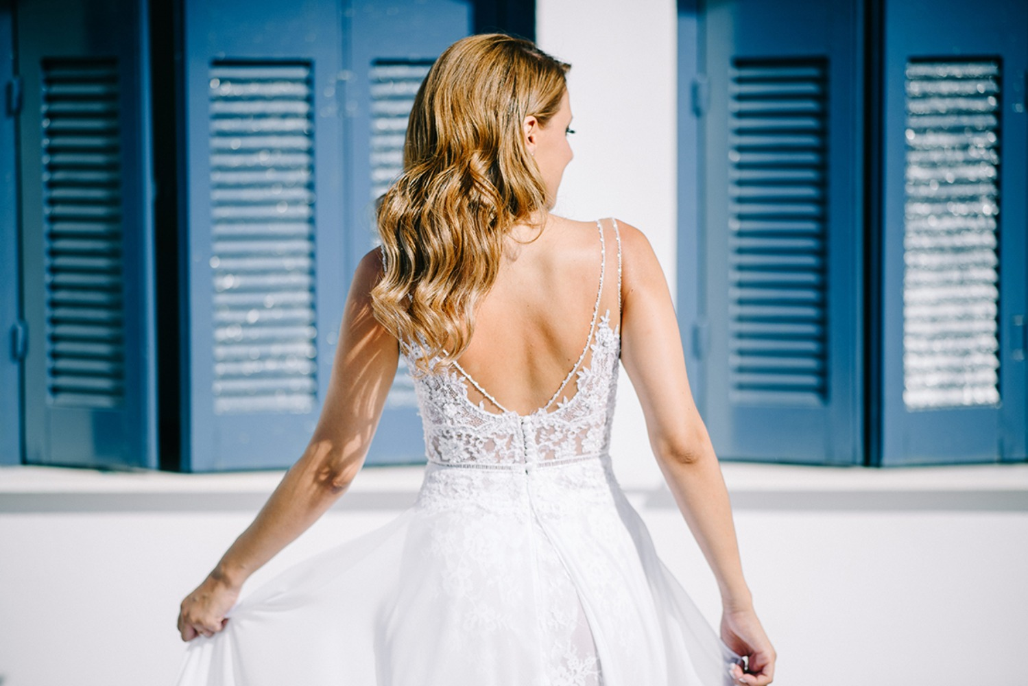 delicate wedding dress details