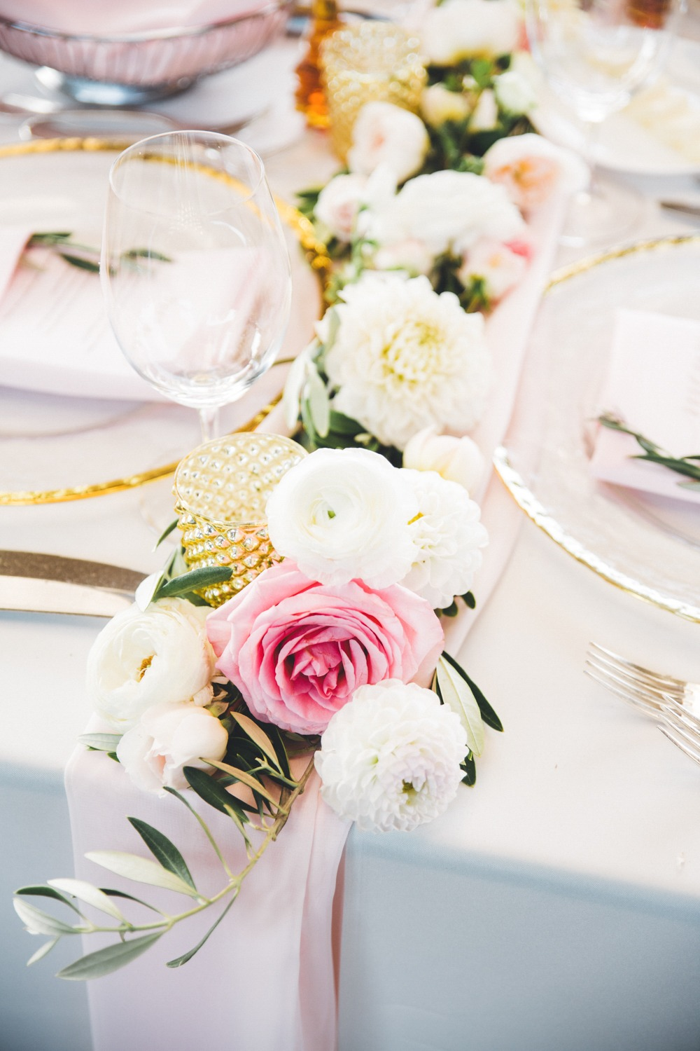 pink and white and gold wedding centerpiece