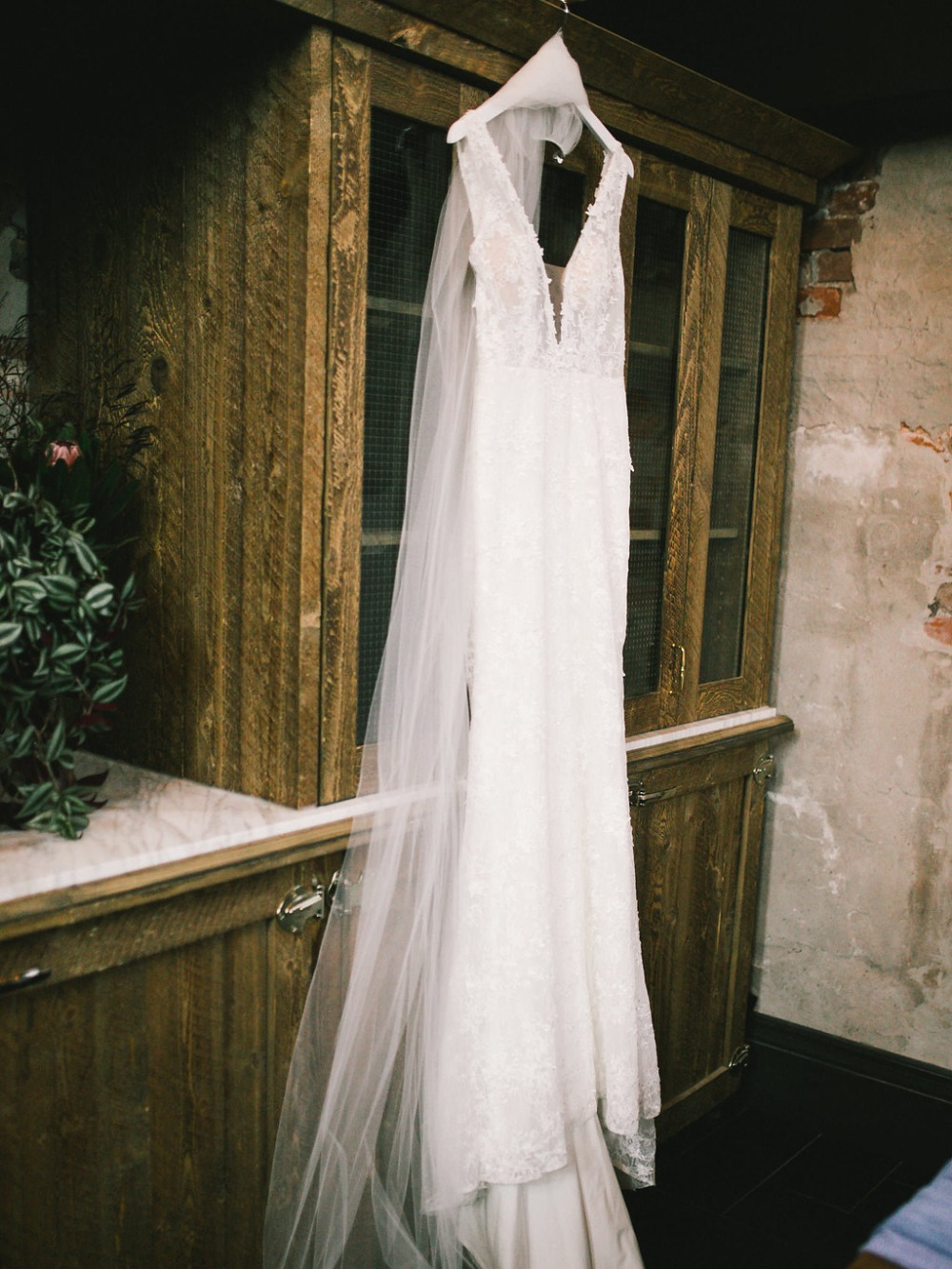 Tara Lauren wedding dress