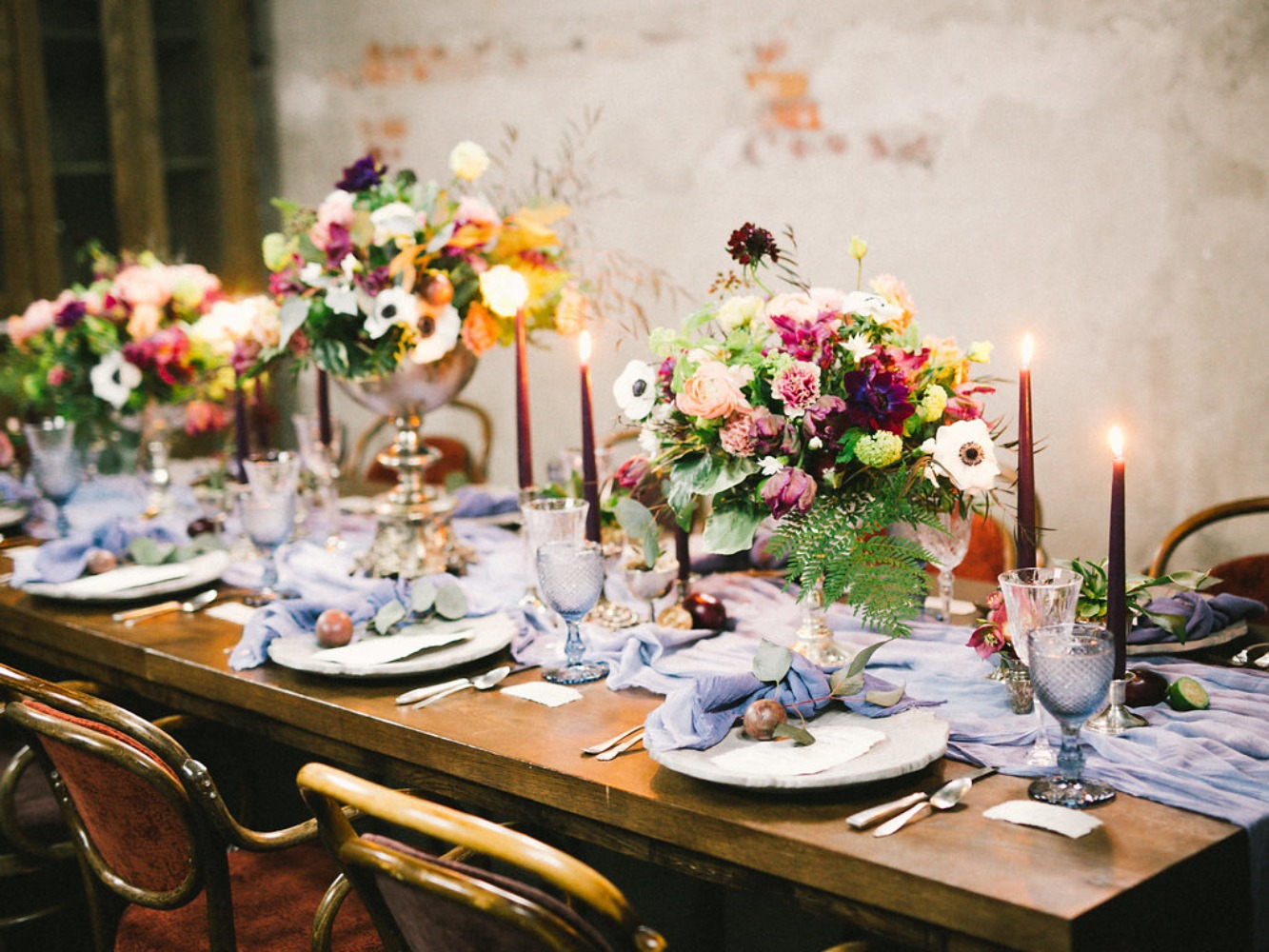 Organic rustic wedding table